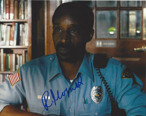 ROB MORGAN SIGNED AUTHENTIC 'STRANGER THINGS' OFFICER POWELL 8x10 PHOTO C w/COA