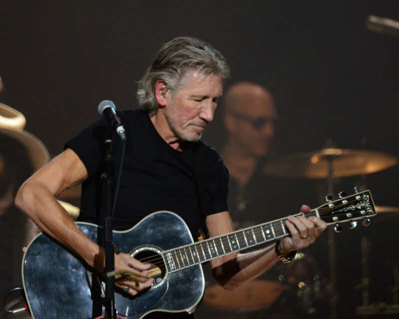 """Roger Waters - Pink Floyd, 8""""x10"""" Color Photo"""