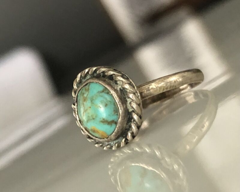 Vintage Hand Made Size-6.3/4 Natural Turquoise and Sterling Silver Ring Small