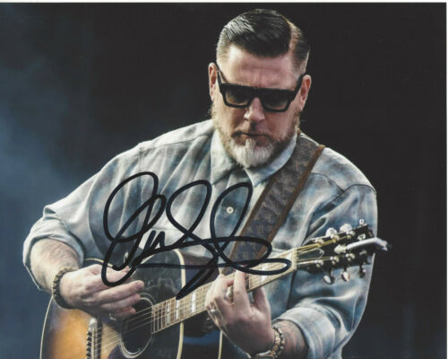 SINGER EVERLAST (HOUSE OF PAIN) SIGNED AUTHENTIC 8X10 PHOTO B w/COA RAPPER