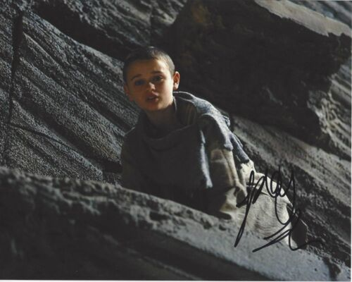 ACTRESS JOEY KING SIGNED THE DARK KNIGHT RISES 8X10 PHOTO W/COA KISSING BOOTH