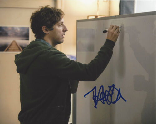 THOMAS MIDDLEDITCH SIGNED AUTHENTIC 'SILICON VALLEY' 8X10 PHOTO w/COA ACTOR