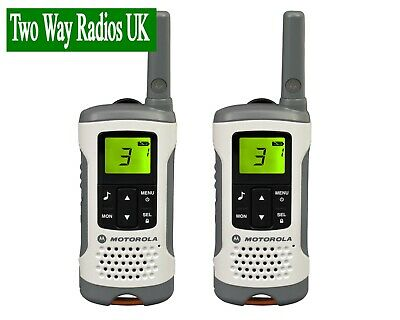 MOTOROLA WALKIE TALKIES TWO WAY RADIOS - LICENCE FREE TLKR T50 TWIN PACK - WHITE
