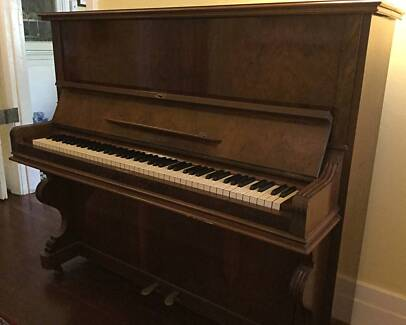 Piano Beale & Co Upright Antique Good working order