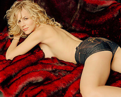 Julie Benz 8X10 sexy topless in little shorts