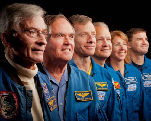 FIRST & LAST ASTRONAUT CREWS FROM SPACE SHUTTLE MISSIONS - 8X10 PHOTO (ZZ-293)