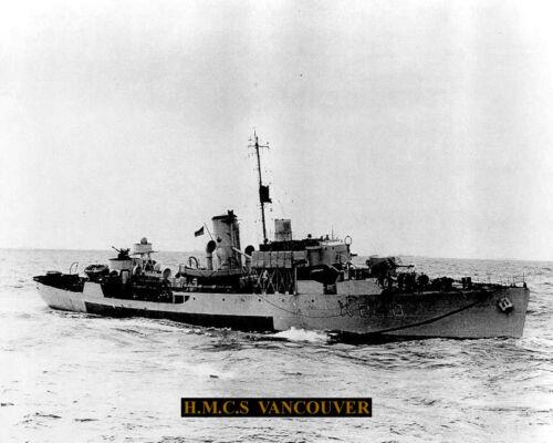 ROYAL CANADIAN NAVY CORVETTE HMCS VANCOUVER K240  PHOTO WITH BONUS STATS SHEET