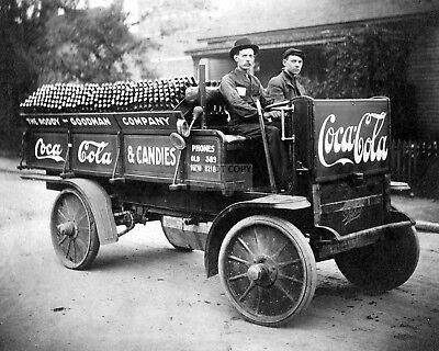 COCA-COLA DELIVERY TRUCK, CIRCA 1909 - 8X10 PHOTO (AA-948)