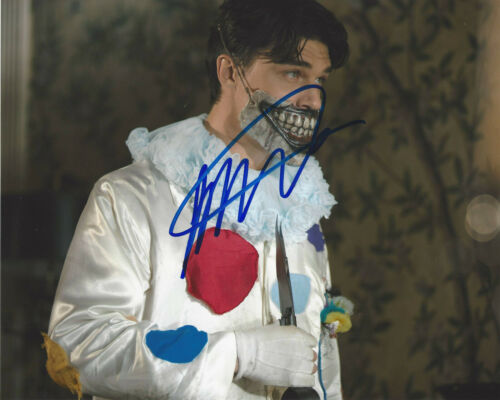FINN WITTROCK SIGNED AUTHENTIC 'AMERICAN HORROR STORY' 8x10 PHOTO C w/COA ACTOR