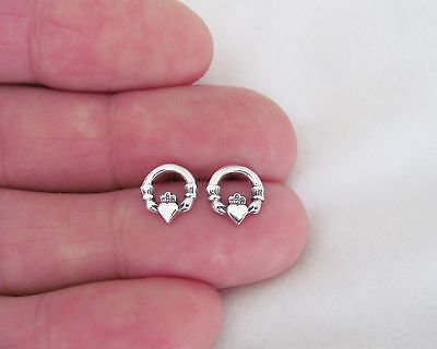 (Sterling Silver 9mm Irish Celtic Claddagh love post stud earrings.)