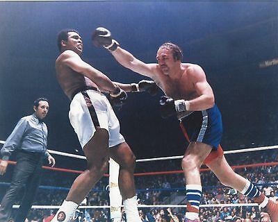 MUHAMMAD ALI vs CHUCK WEPNER 8X10 PHOTO BOXING (Muhammad Ali Boxing Pictures)