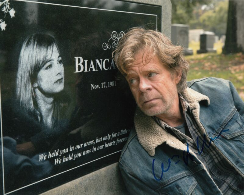 WILLIAM H MACY signed *SHAMELESS* 8X10 photo FRANK GALAGHER (PROOF) W/COA #1