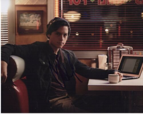 COLE SPROUSE SIGNED RIVERDALE 8X10 PHOTO! JUGHEAD JONES AUTOGRAPH ARCHIE COMICS!