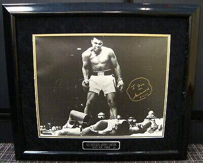 Muhammad Ali Autographed 16x20 Phantom Punch Photo To Dave Parker