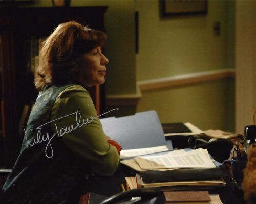 ACTRESS LILY TOMLIN HAND SIGNED THE WEST WING 8x10 PHOTO 1 W/COA DEBBIE FIDERER