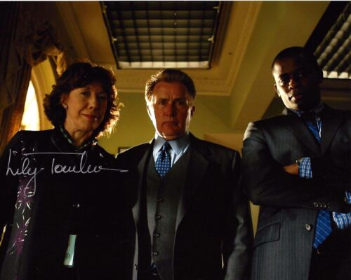 ACTRESS LILY TOMLIN HAND SIGNED THE WEST WING 8X10 PHOTO D W/COA DEBBIE FIDERER
