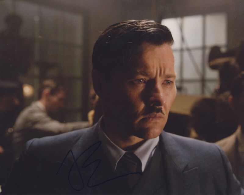 JOEL EDGERTON SIGNED THE GREAT GATSBY 8X10 PHOTO