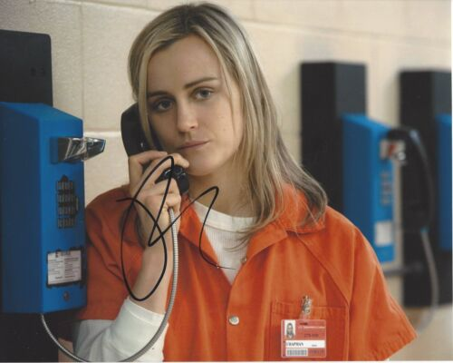ACTRESS TAYLOR SCHILLING SIGNED ORANGE IS THE NEW BLACK 8X10 PHOTO W/COA