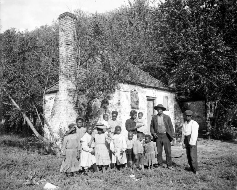 Whole black family at the Hermitage Enslaved African-Americans-Savannah, GA 1907