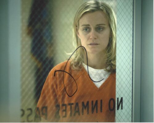ACTRESS TAYLOR SCHILLING SIGNED ORANGE IS THE NEW BLACK 8X10 PHOTO A W/COA