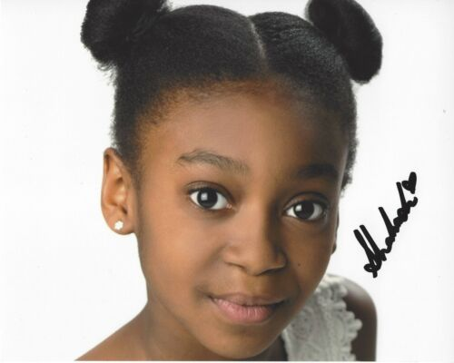 ACTRESS SHAHADI WRIGHT JOSEPH SIGNED 'US' MOVIE 8x10 PHOTO B w/COA THE LION KING