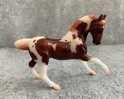 Breyer Stablemate FLORIAN 2020 Stablemate Club GLOSSY chestnut pinto 712330