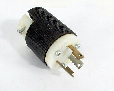 Hubble Male 3-Wire Connector Body 7761