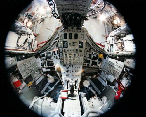 FISH-EYE LENS VIEW OF INTERIOR OF GEMINI 7 SPACECRAFT - 8X10 NASA PHOTO (AA-494)