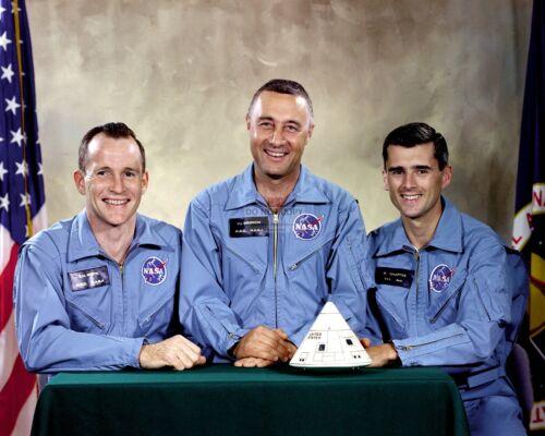 ED WHITE GUS GRISSOM ROGER CHAFEEE APOLLO 1 ASTRONAUTS  8X10 NASA PHOTO (EP-424)