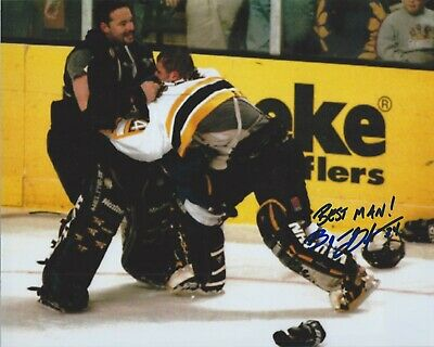BYRON DAFOE BOSTON BRUINS AUTOGRAPH FIGHT PHOTO 8X10 RARE! OLAF KOLZIG BEST