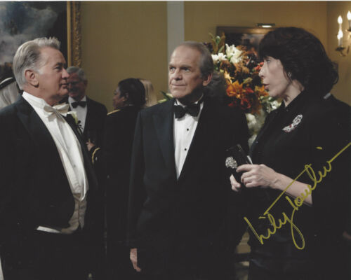LILY TOMLIN SIGNED AUTHENTIC 'THE WEST WING' DEBORAH 8X10 PHOTO 2 w/COA ACTRESS