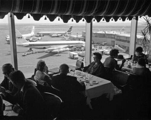 "TWA Boeing 707 ((8.5""x11"")) Print"