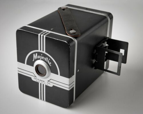 Rare Vintage Majestic Metal 120 Film Size Box Camera (Galter Products Co.)