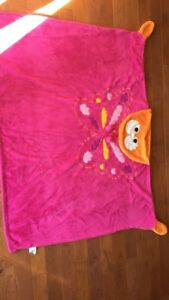 Cozy kids wrap up/hooded blankets