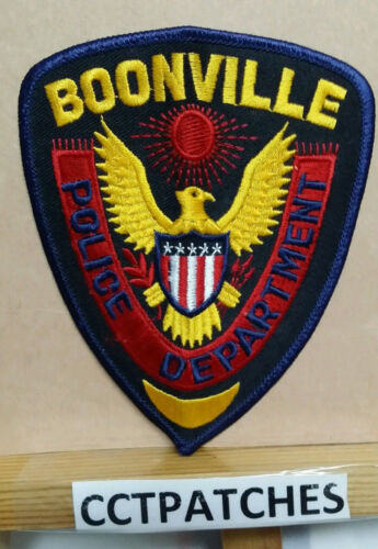 BOONVILLE, MISSOURI POLICE STOCK EAGLE SHOULDER PATCH MO