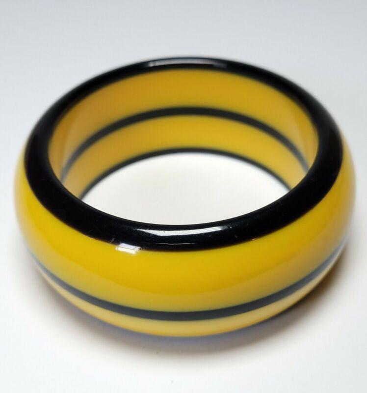 Vintage Chunky Plastic Celluloid Two-Tone Bangle Butterscoth Black Bracelet