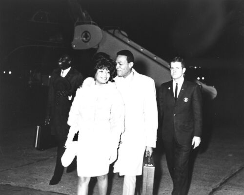 """Marvin and Anna Gordy Gaye motown 10"""" x 8"""" Photo"""