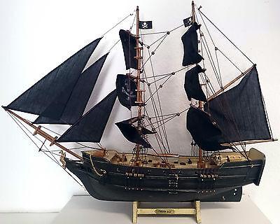 Modell Piratenschiff Black Segelschiff 80/60/14 Holz Dekoration 2 Master