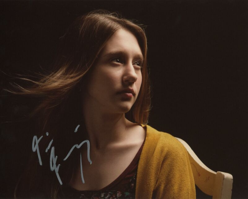 "Taissa Farmiga ""American Horror Story"" AUTOGRAPH Signed 8x10 Photo B ACOA"