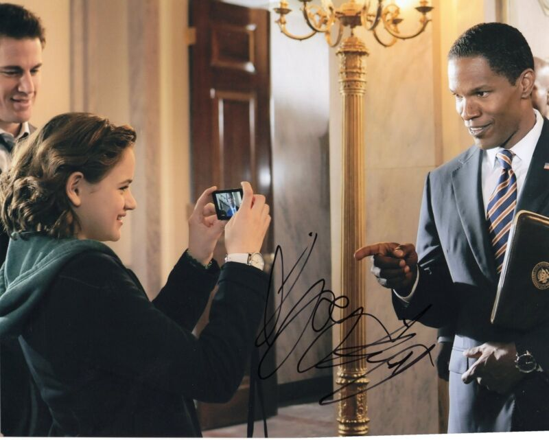 Joey King White House Down Signed 8x10 Photo w/COA