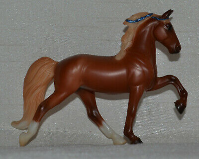 Breyer~2013-14~Mystery Foal Surprise~Chestnut Tennessee Walking Horse~Stablemate
