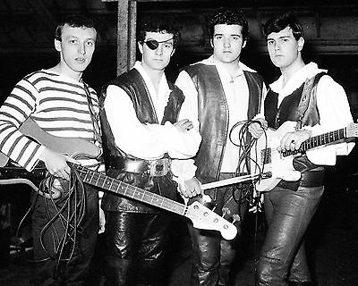 "Johnny Kidd and the Pirates 10"" x 8"" Photograph no 2"