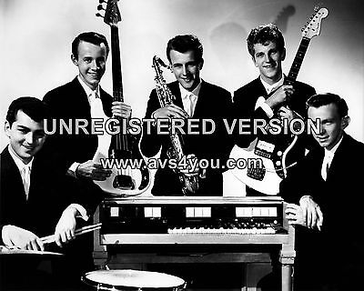 """Johnny and the Hurricanes 10"""" x 8"""" Photograph no 8"""
