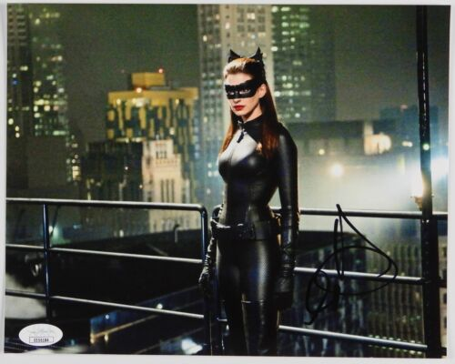 Anne Hathaway Catwoman Batman Autograph JSA 8 x 10 Signed Photo
