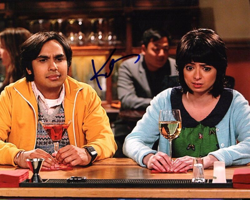 GFA The Big Bang Theory Lucy * KATE MICUCCI * Signed 8x10 Photo MH4 COA