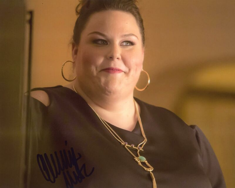 "Chrissy Metz ""This Is Us"" AUTOGRAPH Signed 8x10 Photo B ACOA"