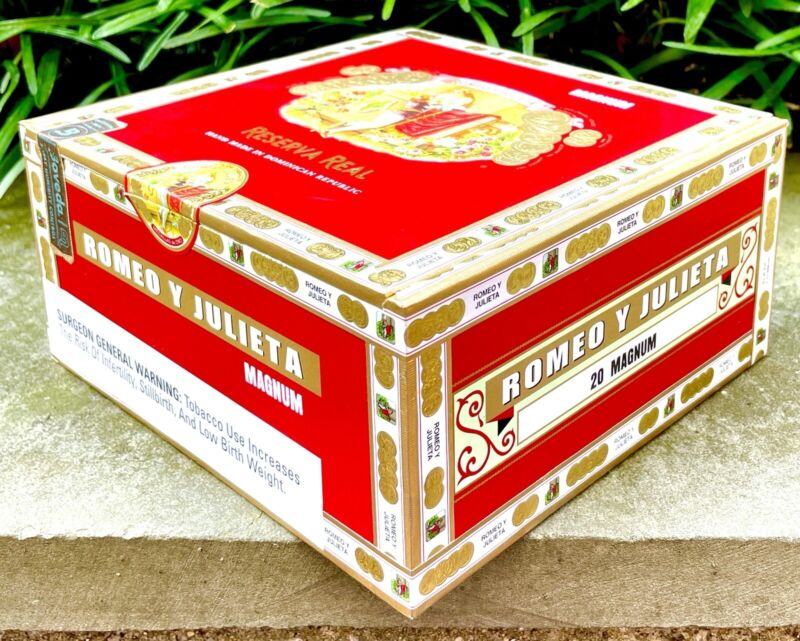Romeo y Julieta Reserva Real Red Empty Cigar Box, No Cigars