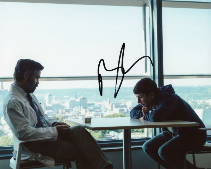 "Barry Keoghan ""Killing of a Sacred Deer"" AUTOGRAPH Signed 8x10 Photo"
