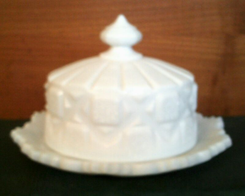 Vintage Westmoreland Old Quilt Large Round Butter or Cheese Covered Dish