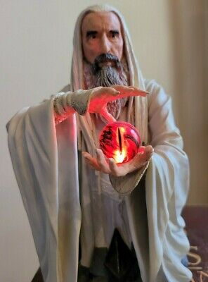 HOBBIT LORD OF THE RINGS Gentle Giant SARUMAN LIGHT UP BUST STATUE